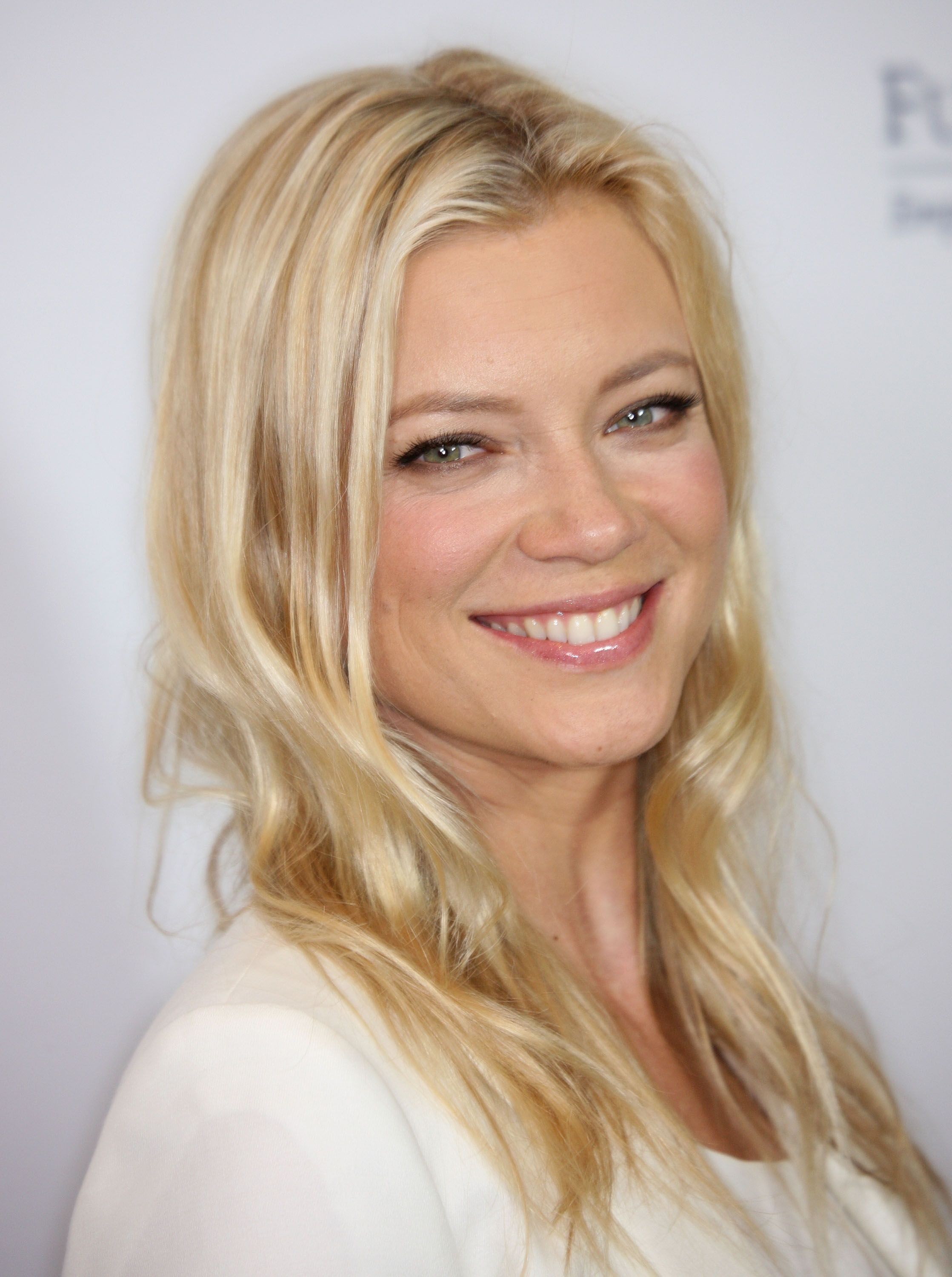 amy-smart - Microsoft Store