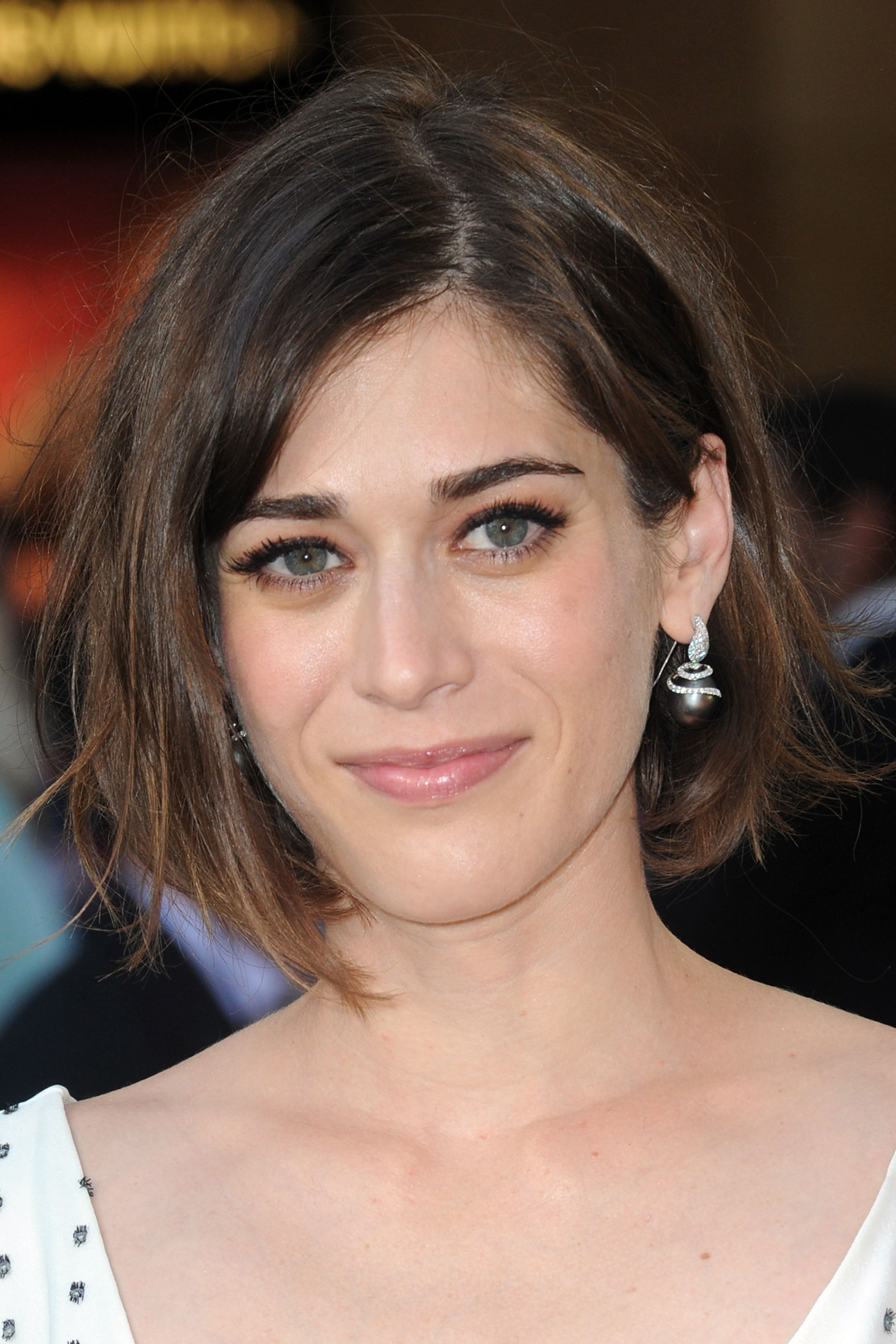 acclaimed actress lizzy caplan - HD 2000×3000