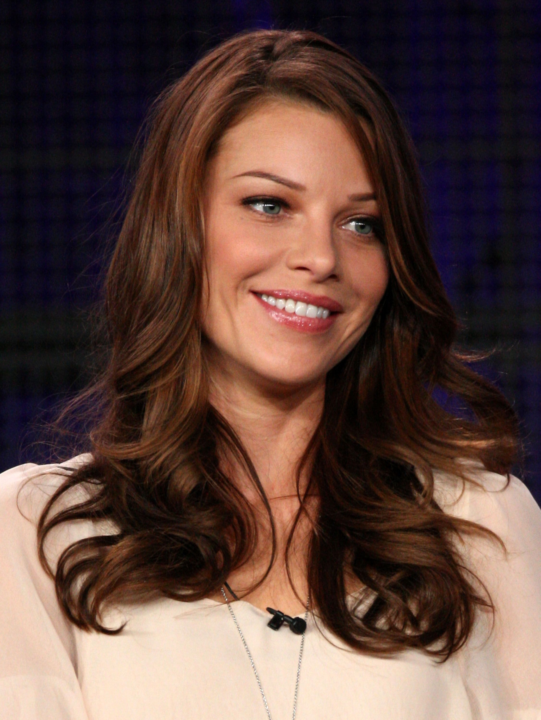 Lauren German - Microsoft Stor...