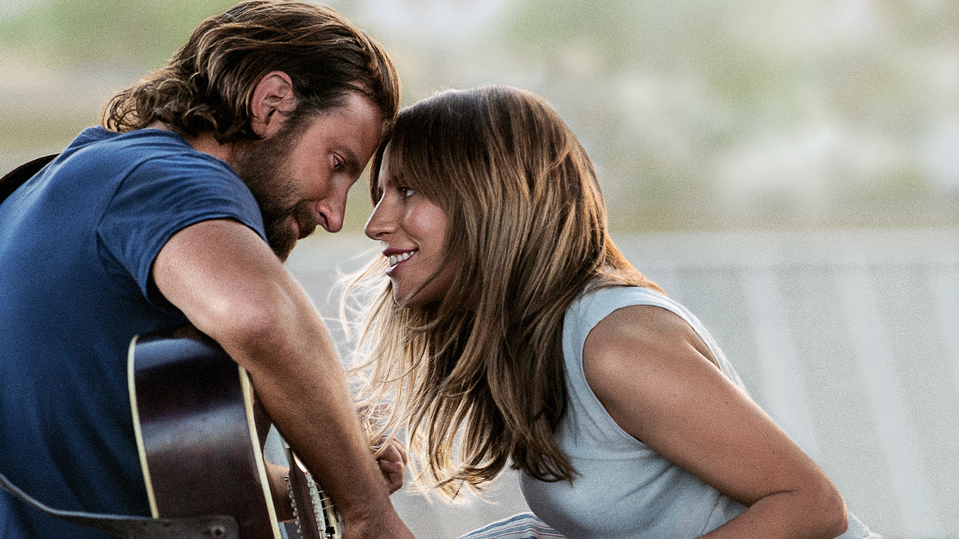 A Star Is Born + Bonus